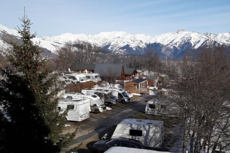l'aire de service camping-car sur le camping caravaneige du Col la Toussuire les Sybelles Maurienne Savoie