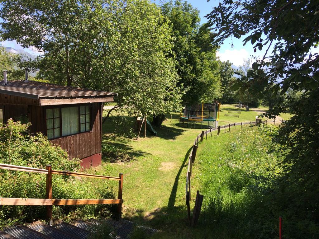 Vente à emporter de vin de savoie sur le camping caravaneige du Col la Toussuire les Sybelles Maurienne Savoie
