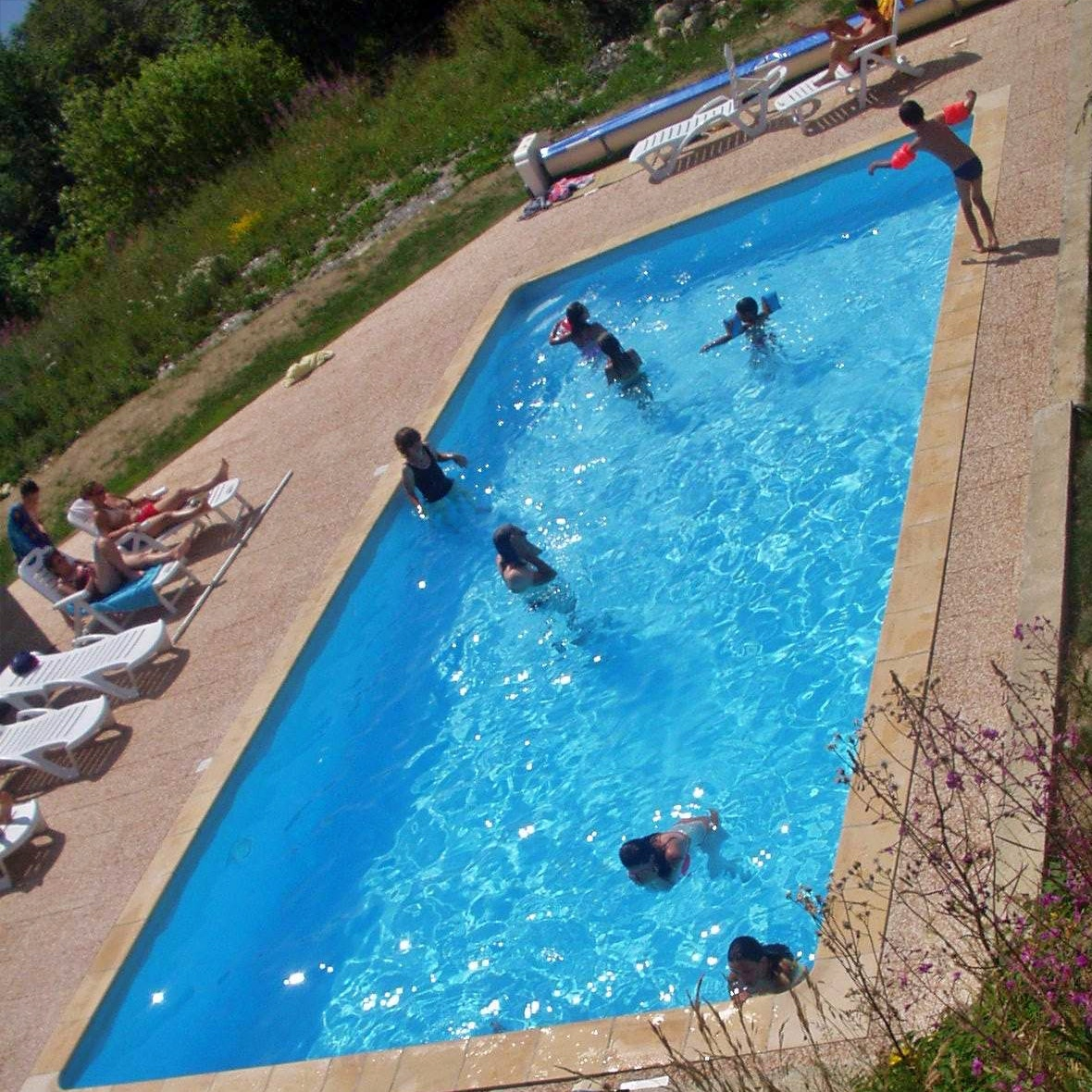 piscine extérieure chauffée sur la Toussuire